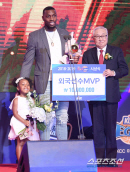 [KBL 시상식]'세 번째 MVP' 라건아