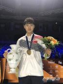 '꽃미남 펜서'오상욱 세계선수권도 제패! 반박불가 세계챔피언