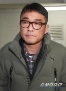 김건모, 아내 장지연과 신혼집서 칩거중…가세연 측에 손해배상 청구 예정