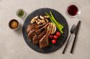 야쿠르트, 프리미엄 가정 간편식 '잇츠온 양고기 밀키트 2종' 선보여