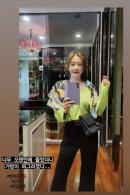 신주아, 찌그러져도 '초고가 명품백'…'재벌 사모님'의 럭셔리 데일리룩