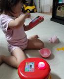 이지혜♥문재완 딸, 휴대폰 사고 신났네...'32개월의 집중력' 이 정도