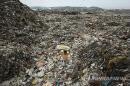 3천 곳에 산처럼 쌓인 쓰레기 8억t…골머리 앓는 인도 정부