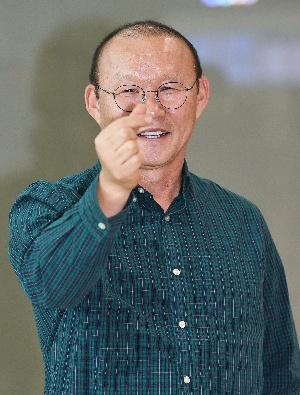 박항서 감독, 구수한 손...
