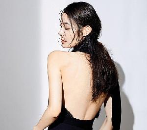 윤소이, 반전 뒤태 고혹미 물씬