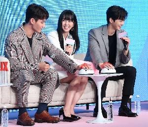 김소현, 거짓말 탐지기 두근두근~