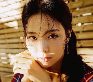 미코 진 김세연, 단아한 매력 발산