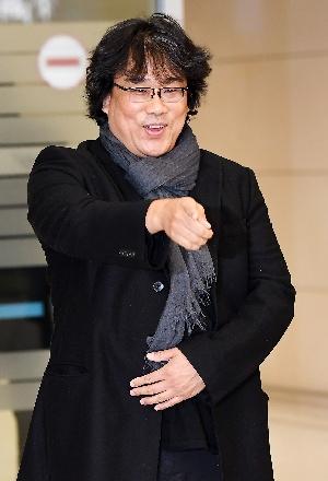 아카데미 4관왕 봉준호 감독, 해맑은 표정