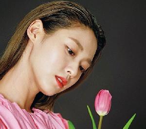 설현, 시선강탈 봄의 여신