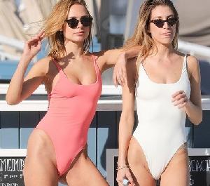 유명 모델들, 밀착 수영복 입고 섹시한 몸매 뽐내 아찔