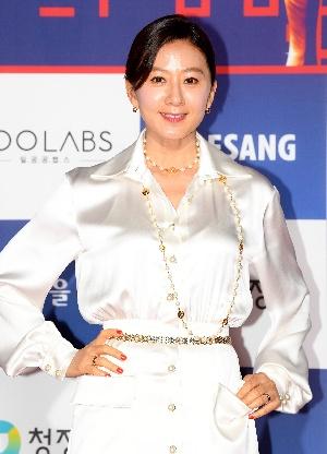 김희애, 우아함의 극치