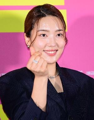 영화 썰 김소라, 매력적인 미소